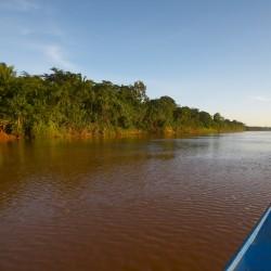 peru_amazon_landscape_puerto_maldonado_rio_tambopata_boat_-®EB_001